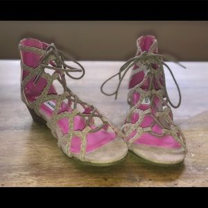 Steve Madden Girls sandals size 4 Brand New